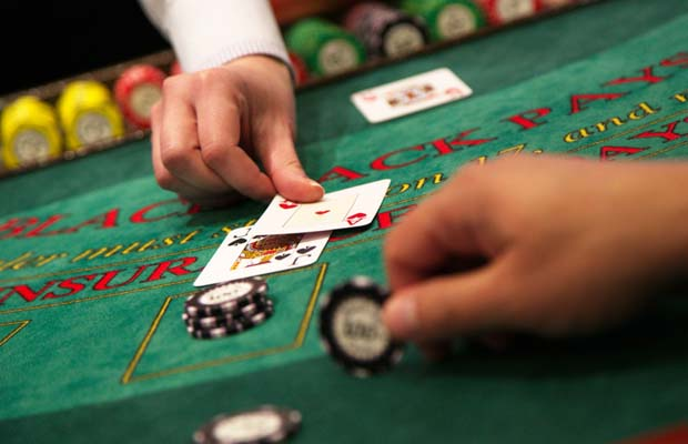 Why Online Gambling is Gaining Popularity